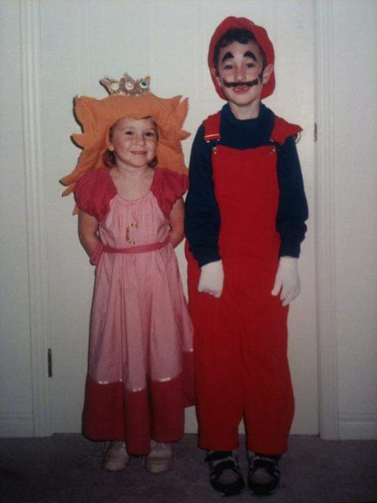 kids dressed up as princess and plumber