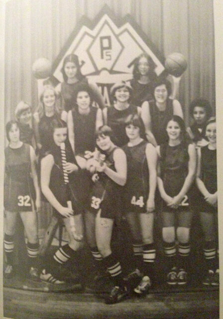 yearbook picture of girls basketball team